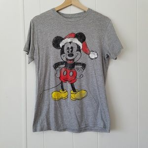 Disney | Gray Santa Mickey Tee Shirt | SZ M